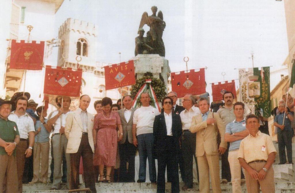 1974 - Giuseppe Riganelli, primo presidente (a destra)